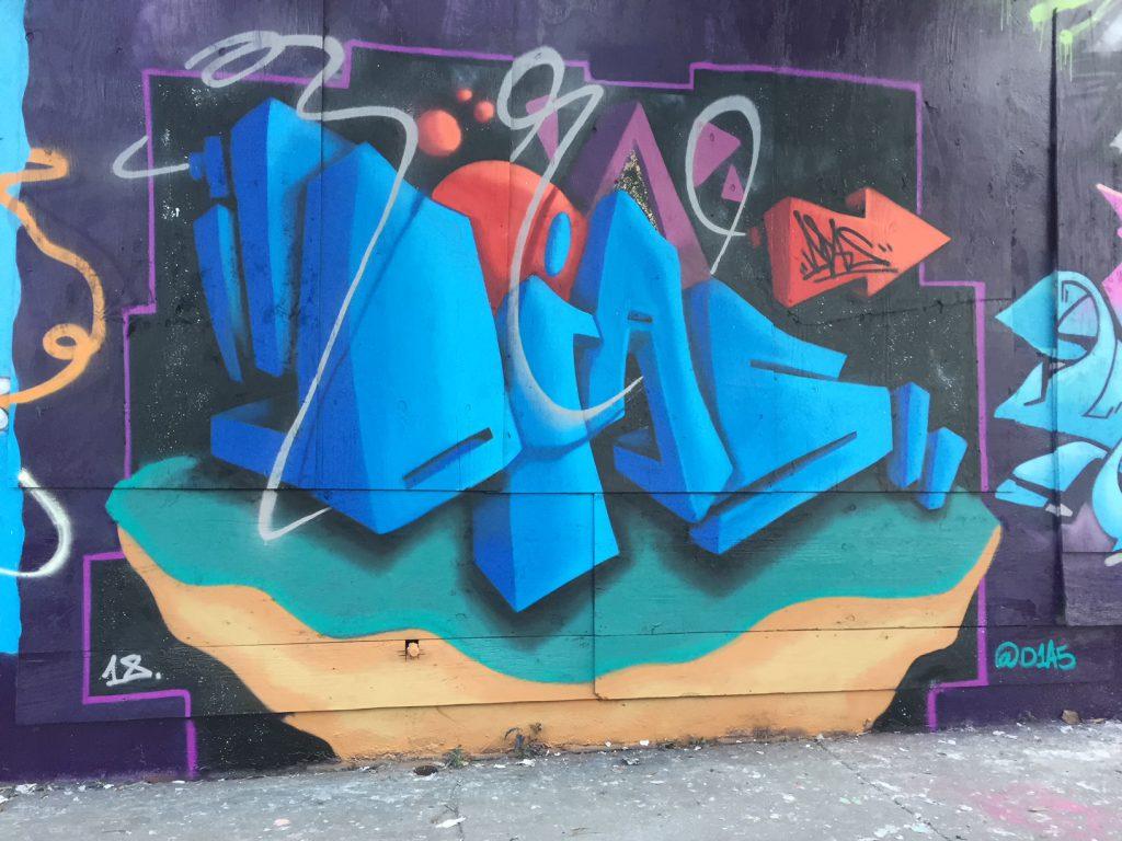 Dais (2)